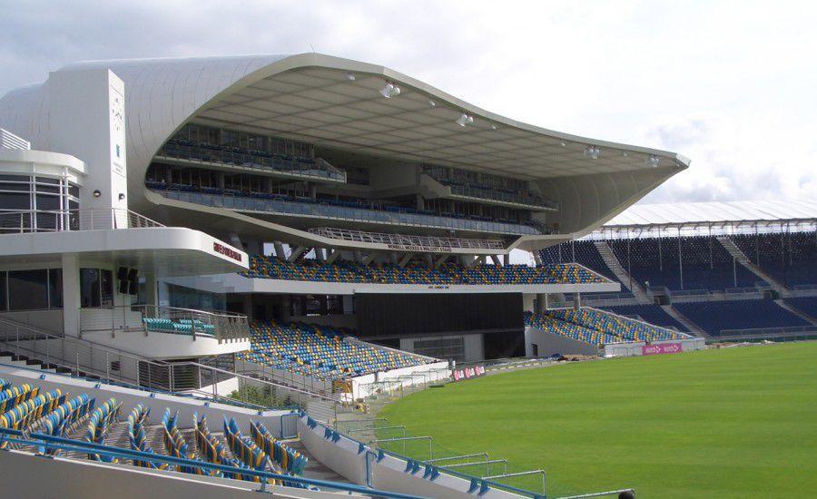 سایبان استادیوم